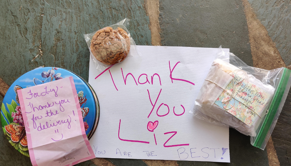 Liz from Caprichos receives notes of thanks